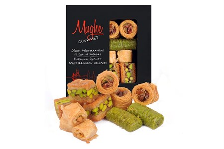 Luxury Baklava Assortment Pistachio Sweet, XSmall Size Hand Made Approx. 12 Pieces, Bitesize Baklawa, Turkish Assortment Baclava Sweets, Gift Box 150g ℮ 5.3oz, Mughe Gourmet