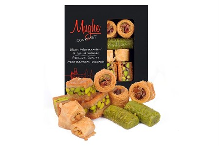 Mughe Gourmet Gift Basket Super Pack of Four Baklava and Turkish Delights